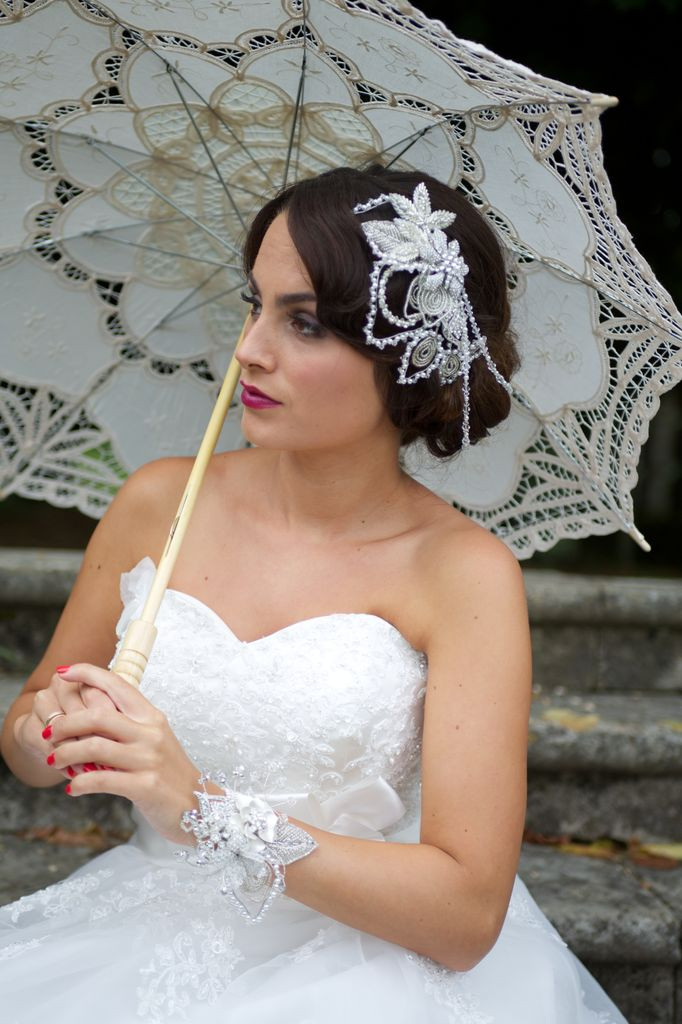 Top bridal styling tips for a perfect summer wedding - Hair and Makeup by Amazing Face Dorset ...Photography by Lucylou Photography... Hair accessory by Melancholy Magpie