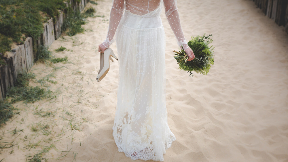 Top Bridal styling tips for a Summer wedding - Image courtesy of Typorama