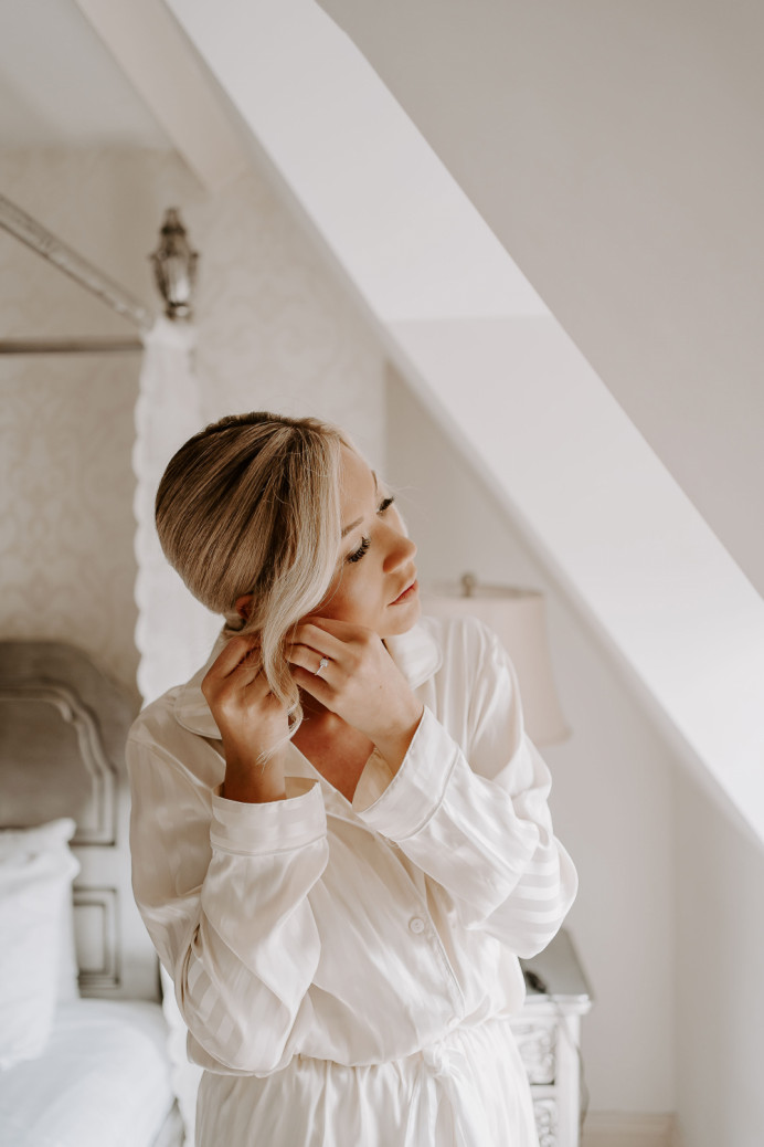 Face framing to add more dimension to your bridal hair - Make Me Bridal Artist: Glow-Occasion Hair Specialists. Photography by: Sharon Cudworth. #glamorous #blonde #glow #bridalhair #elegant #lowupdo