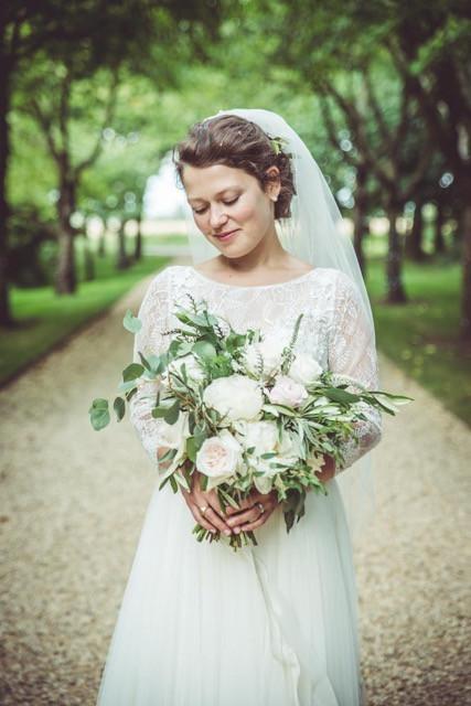 Alice's relaxed South Farm wedding - Make Me Bridal Artist: Cambridge Makeup Artist - Hair & Makeup. Photography by: Gareth Jones. #rustic #relaxedupdo #freshfaced