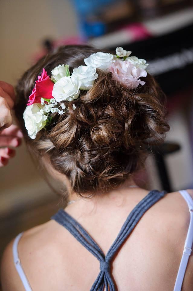 Summer wedding, central Cambridge - Make Me Bridal Artist: Cambridge Makeup Artist - Hair & Makeup. Photography by: Scott Gilbert . #weddingmorning #flowersinherhair #updo #weddinghair #bridalmakeup #weddinghairandmakeup