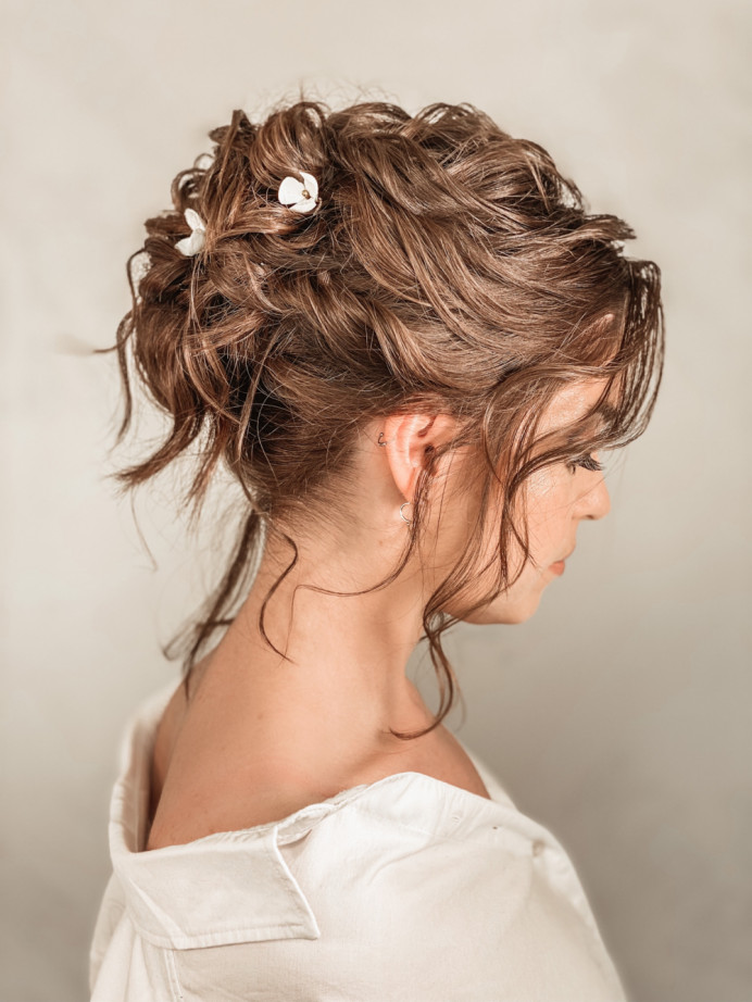 - Make Me Bridal Artist: Claire Jane's Totally Flawless. #curls #updo #texturedupdo