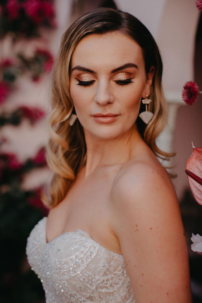 Bridal makeup - natural glam - Make Me Bridal Artist: Head Turners - Martine Turner. Photography by: Sammy Taylor. #glamorous #bridalmakeup #bride #flawlessmakeup #glambride #flawlessbride #weddingmakeupsussex #weddingmakeup #destinationwedding #weddingmakeup #weddinghairandmakeup #destinationbridalmua