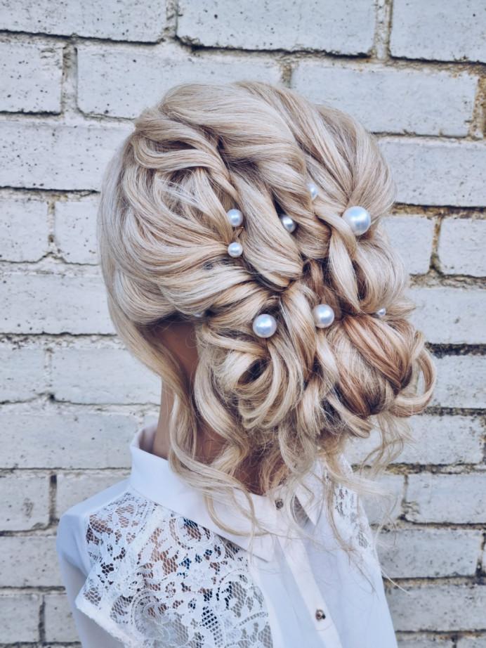 - Make Me Bridal Artist: Victoria Louise Bridal Hair. #bohemian #glamorous #boho #blonde #glambride #pearl