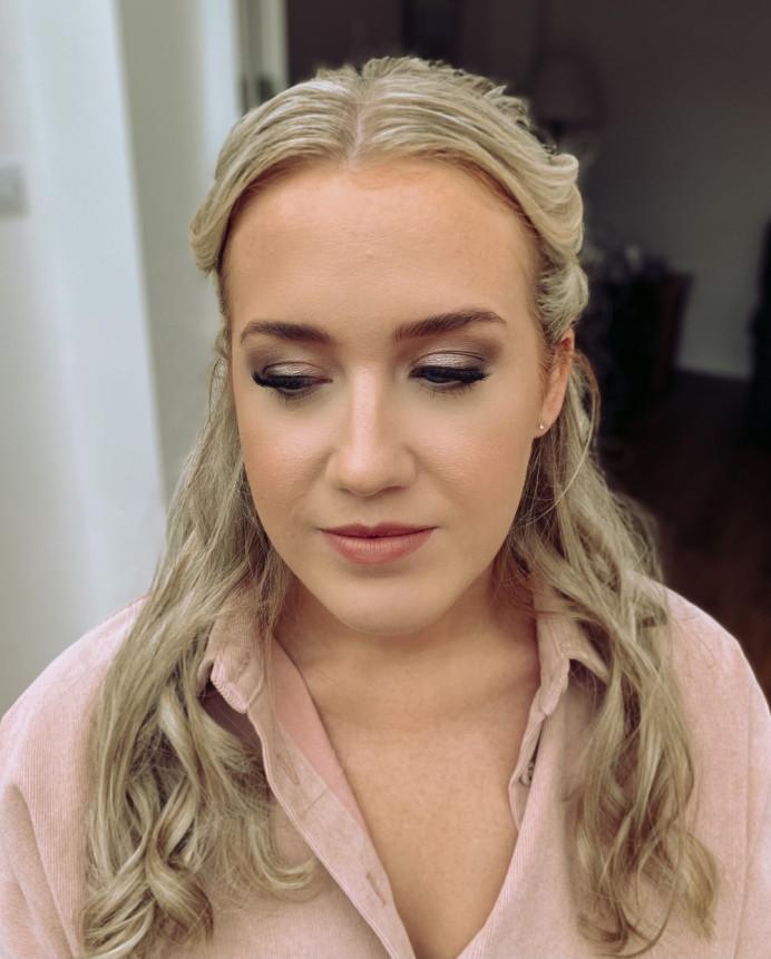 - Make Me Bridal Artist: Connie Childs Makeup. #naturalmakeup #bridalmakeup #hampshiremakeupartist #softglammakeup #hampshirewedding #berkshireweddings #softglam