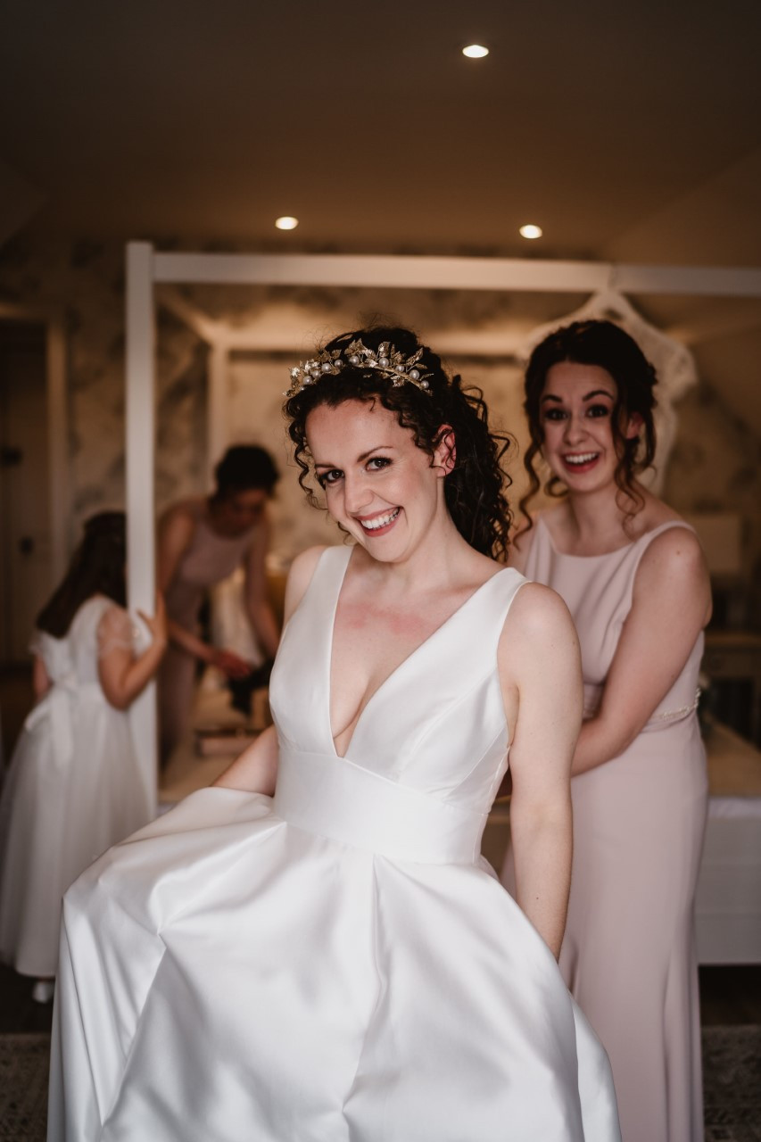 - Make Me Bridal Artist: Crown + Muse Bridal Makeup Artistry. #glambride #weddingmakupartist #surreymakeupartist #luxwedding #surreywedding