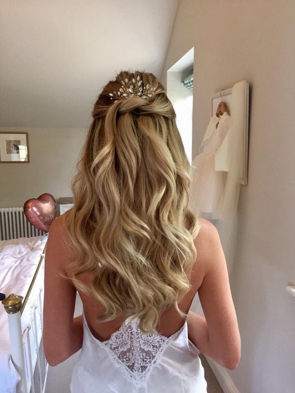 Half up half down hair for Hannah's wedding at Elmore Court x - Make Me Bridal Artist: BEYOU Weddings hair & makeup. #blonde #smoothwaves #halfuphair #halfuphalfdown #beautifulhair #downhair