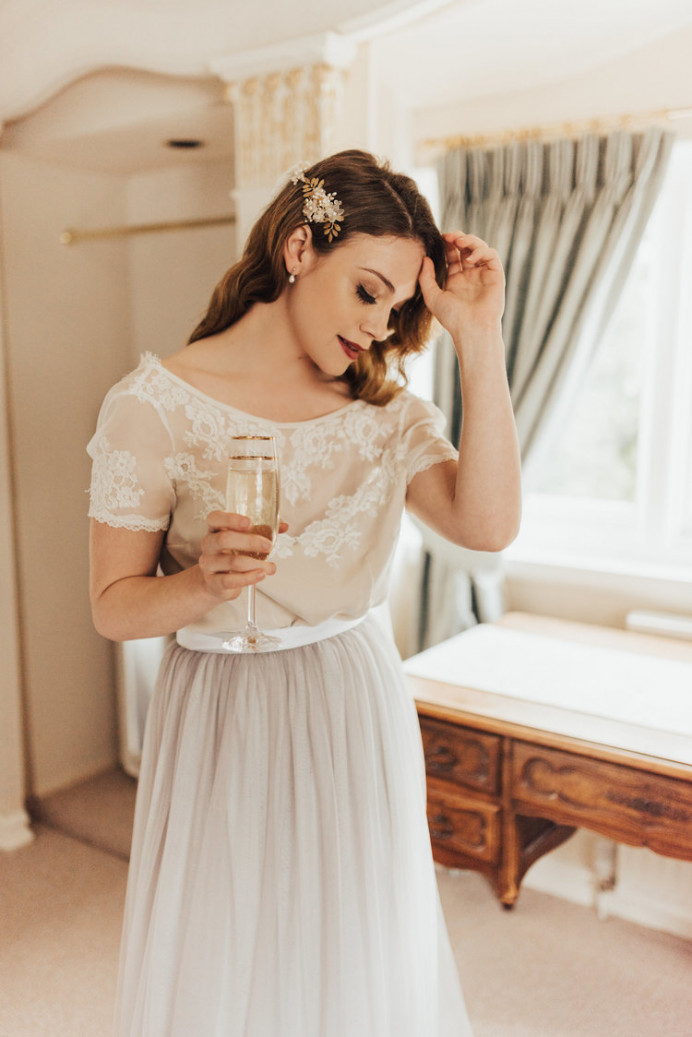 - Make Me Bridal Artist: BEYOU Weddings hair & makeup. Photography by: Rebecca Carpenter. #bridalmakeup #boldlip #hollywoodglamour #modernvintage