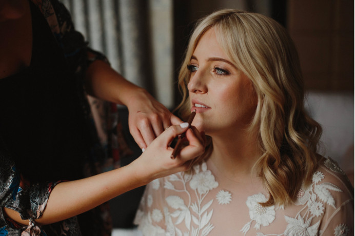 Gorgeous Petrie on her wedding morning - Make Me Bridal Artist: BEYOU Weddings hair & makeup. #naturalmakeup #weddingmorning #actionshot #weddingmakeup #beautifulbridalmakeup #bridalmakeupartist #modernbride #bridalmakeup
