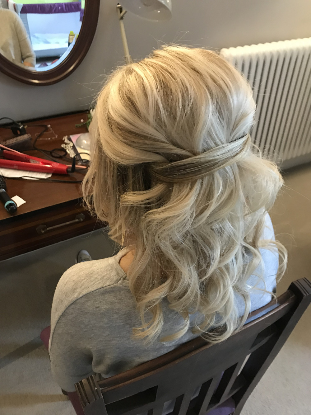 wedding guest and bridesmaids hair style simple but glam - Make Me Bridal Artist: Sapphire Styling hair and makeup . #glamorous #halfuphair #modernbride
