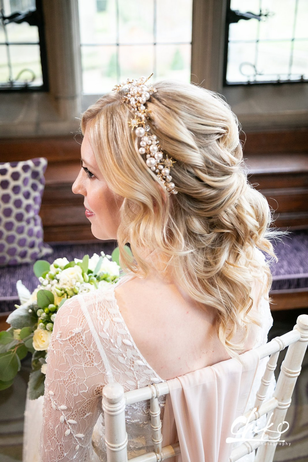 A perfect combo of up and down suitable for brides who prefer their hair down, but would like the security of something a bit up as well. - Make Me Bridal Artist: Laura Anne Hair & Makeup Designer. Photography by: Chiko Photography. #boho #halfuphair #modernbride #blondebride