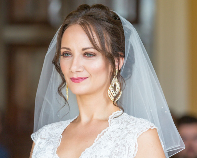 The Stunning Kat on her big day! - Make Me Bridal Artist: Aston's Makeup and Beauty . Photography by: Nicky Thomas . #classic #bridalinspo #classicbride #bride #springwedding #brialmakeup