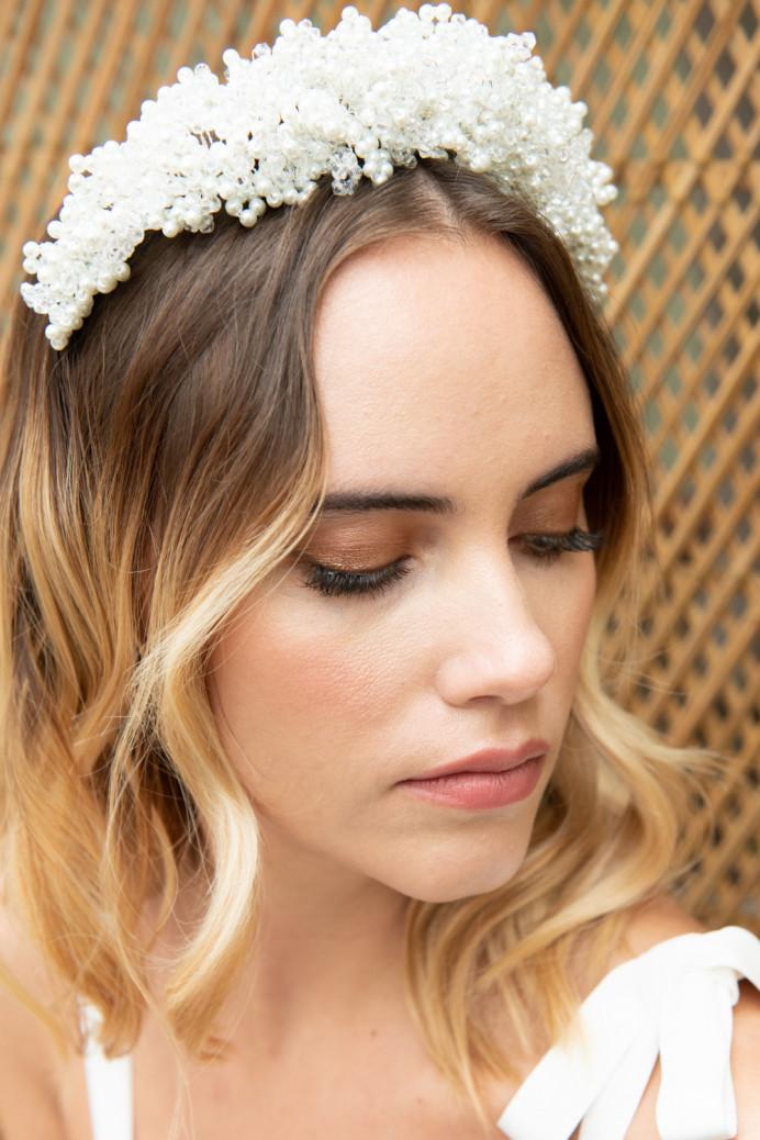 - Make Me Bridal Artist: Aston's Makeup and Beauty . Photography by: Albane Photography. #glamorous #boho #naturalmakeup #curls #blonde #bridalmakeup #goldeyeshadow