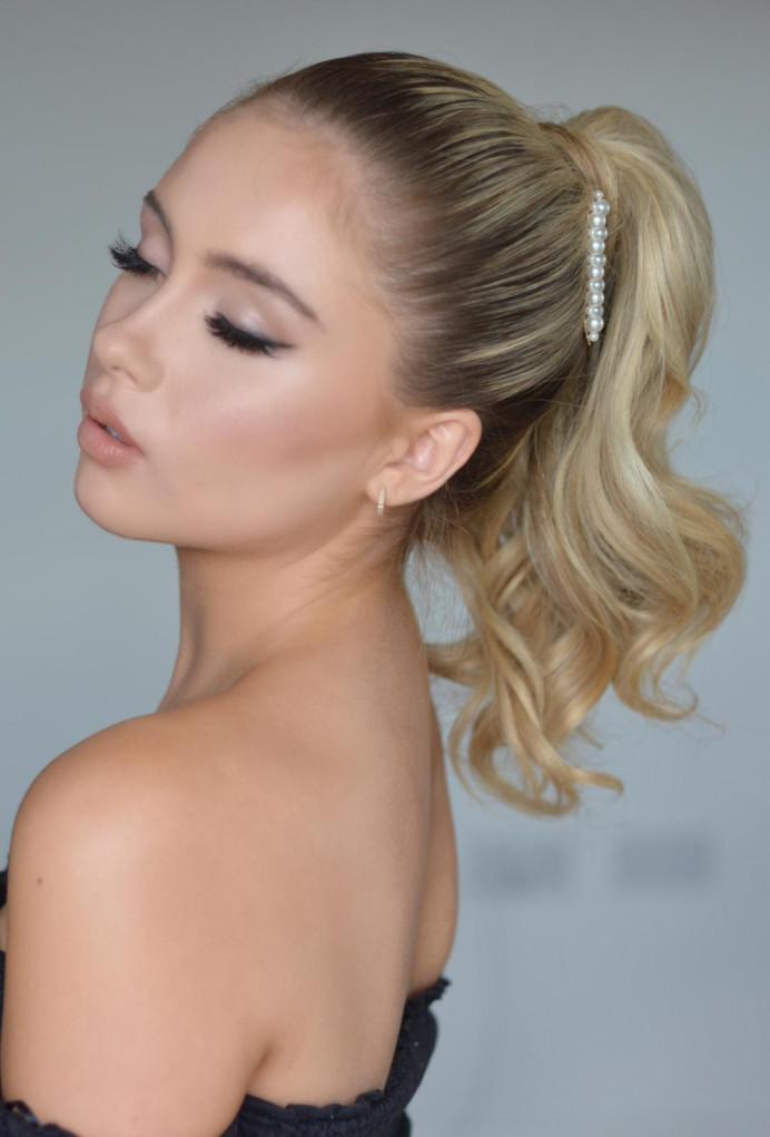 Mua @ phoebehayter - Make Me Bridal Artist: Cheveux cimone. Photography by: Phoebe Hayter. #glamorous #blonde #glowingskin #ponytail #modernbride #modernhair