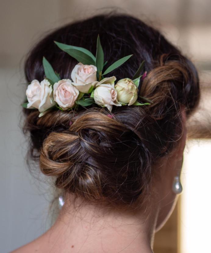- Make Me Bridal Artist: Cheveux cimone. Photography by: Richard skins.