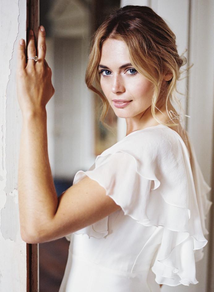 - Make Me Bridal Artist: Amazing Face Bridal Hair & Make up Dorset . Photography by: Imogen Xiana.