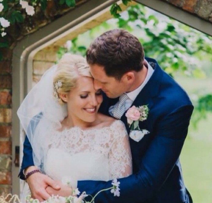 - Make Me Bridal Artist: Amazing Face Bridal Hair & Make up Dorset . Photography by: Peppermint Love . #weddingmorning #weddinghair #dorsetmakeupartist #dorsetmakeupandhair #married #bridalmakeupartist