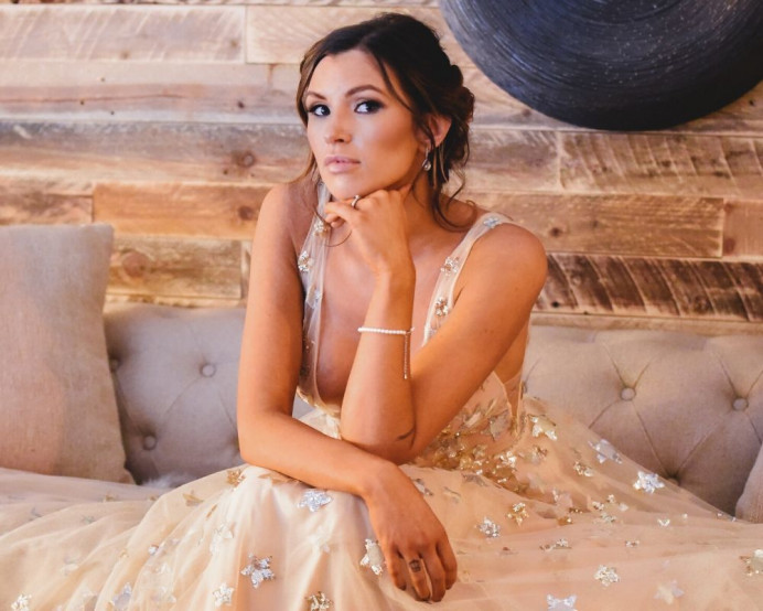 Natural, but glam bridal hair and makeup created for this celestial themed wedding shoot. - Make Me Bridal Artist: Chrys Chapman. Photography by: Littles and Loves. #bridalmakeup #elegantmakeup #contemporary #celestial
