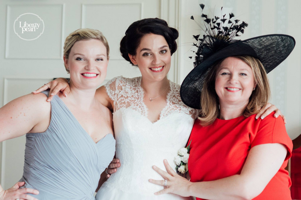 Bride, bridesmaid and Mother of the Bride - elegant, classy makeup. - Make Me Bridal Artist: Claire Bowring Makeup Artist. Photography by: The Liberty Pearl Photo & Film Collective. #bridalmakeup #bride #bridesmaid #motherofthebride #elegantmakeup #classy
