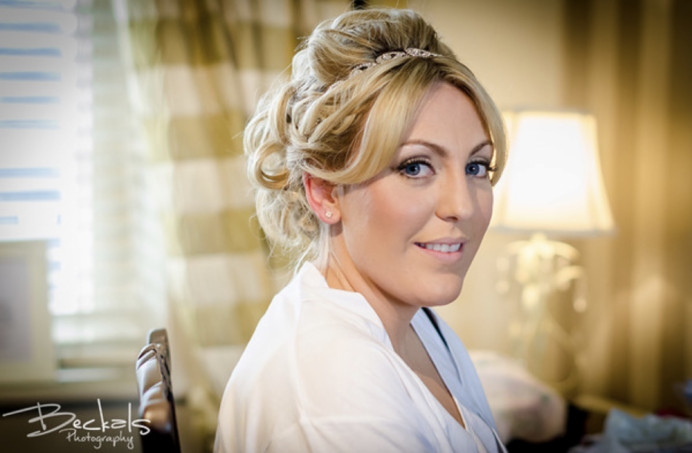 Kelly and Josh got married in September 2015.   I had the honour of attending the evening celebrations and it was a fabulous reception. - Make Me Bridal Artist: PosiTIVEYly Peachy Makeup, Beauty, Health . Photography by: Beckals Photography . #glamorous #weddingmorning #bridalmakeup #glow #pretty #flawlessmakeup #beautifulbridalmakeup #glowing