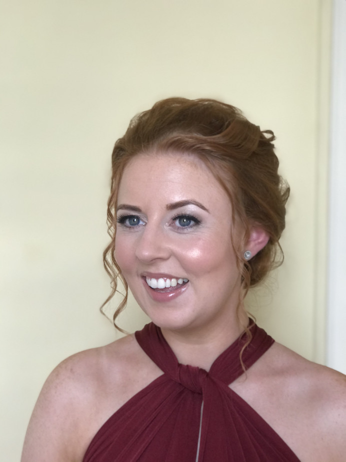 Bridesmaid makeup. Photo taken by myself. - Make Me Bridal Artist: PosiTIVEYly Peachy Makeup, Beauty, Health . #naturalmakeup #soft #fresh #makeup #bridesmaidmakeup #bridesmaid #dewyskin #glowingskin