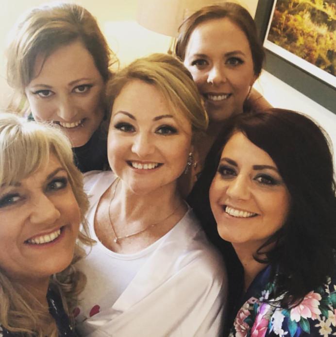 - Make Me Bridal Artist: The Pro Makeup Studio by Cheryl Marie Wright .