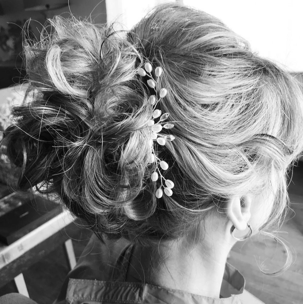 - Make Me Bridal Artist: Debbie wright bridal hair & makeup. #softupdo #classicupdo #updo