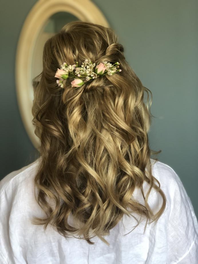 - Make Me Bridal Artist: Flaming Bride. #bohemian #flowersinherhair #bohobride #halfuphalfdown #bohowaves