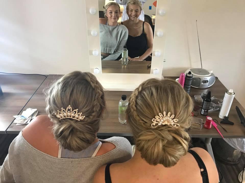 - Make Me Bridal Artist: Ewelina Kaminska .