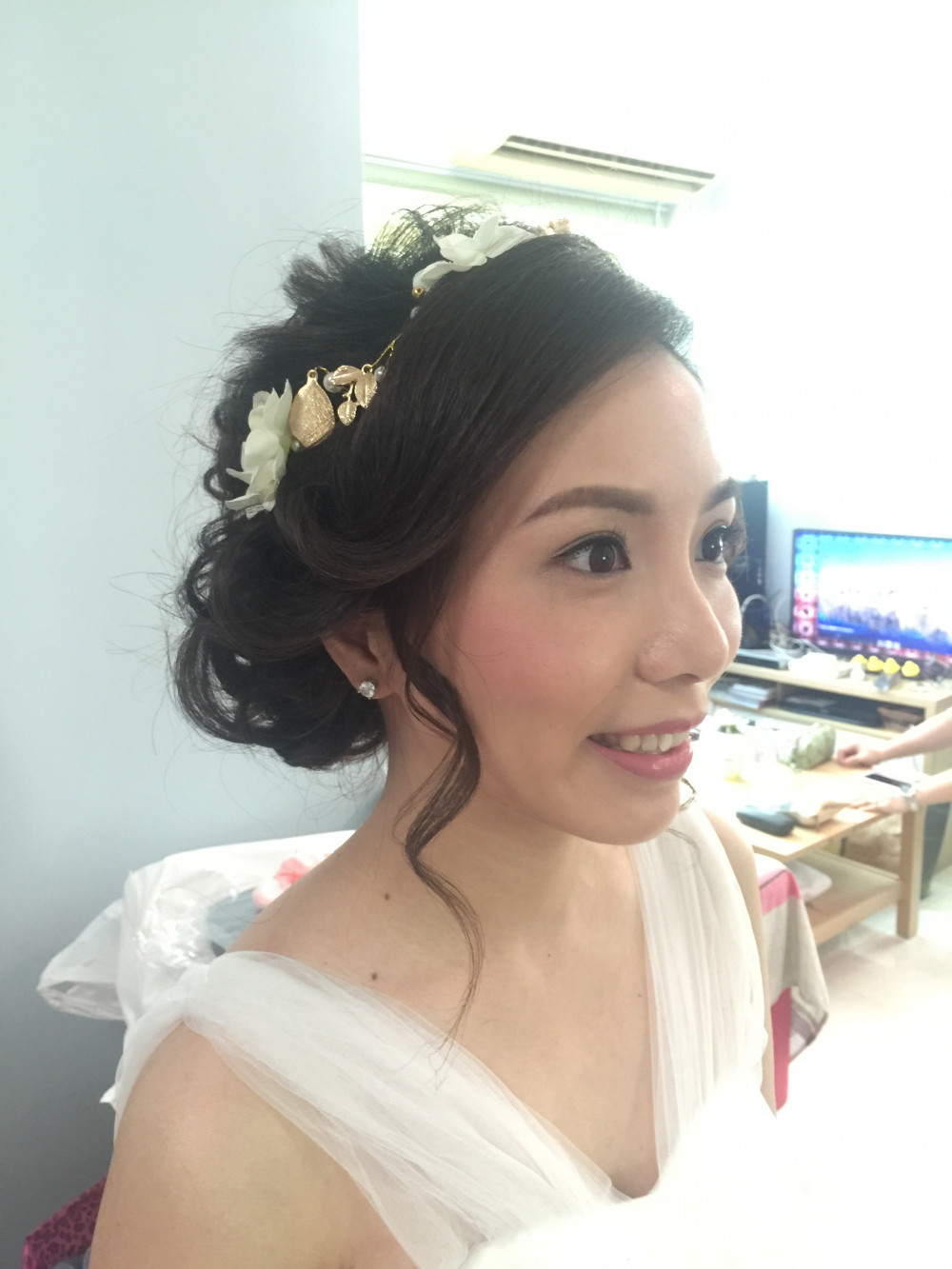 - Make Me Bridal Artist: J-style Makeup.