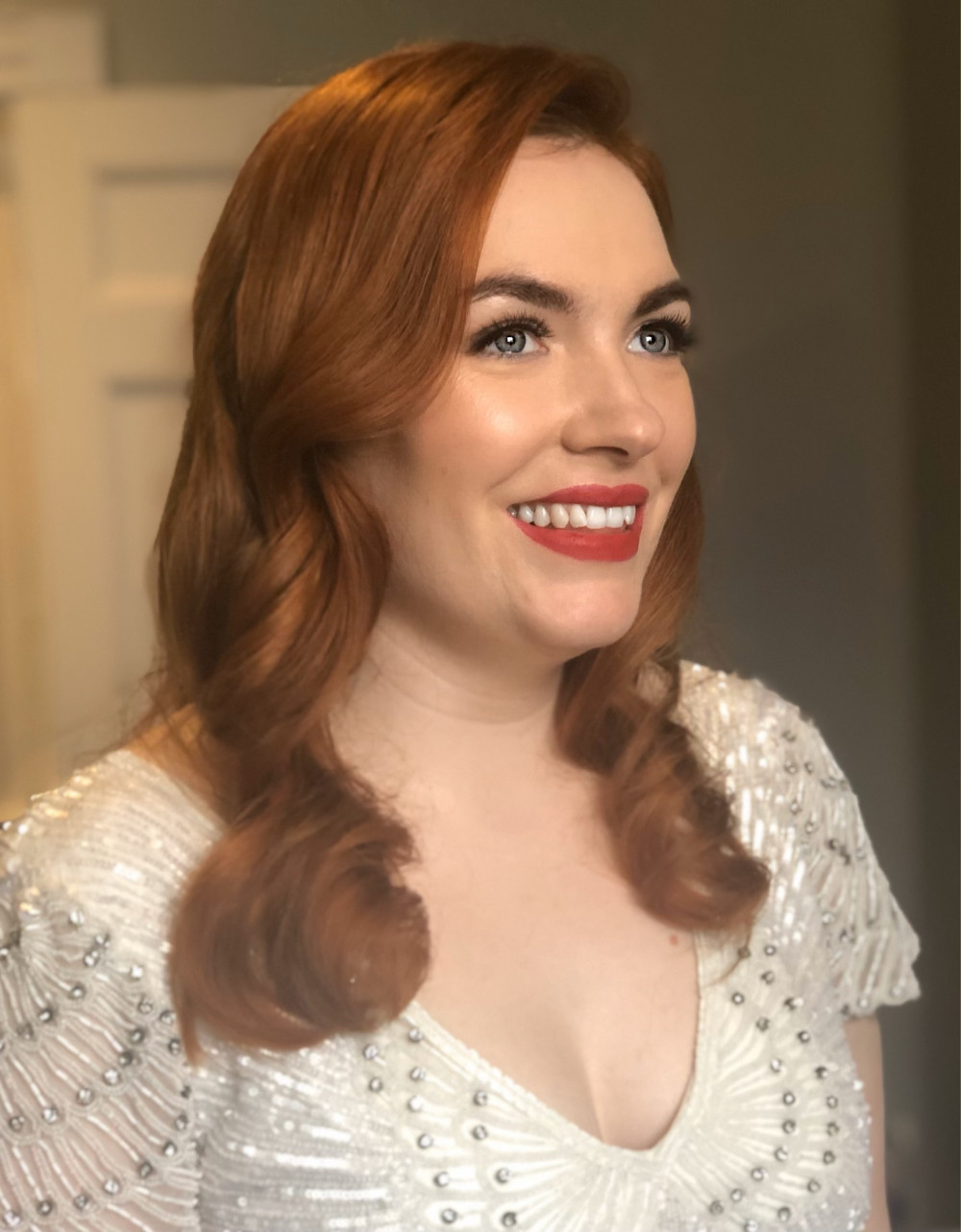 A beautiful, glamourous, modern vintage look. Hollywood waves and a red lip: this look was shared by Lisa Eldridge on her Instagram. - Make Me Bridal Artist: Lee O'D Makeup & Hair. Photography by: Lee O'D. #bridalhair #bridalmakeup #vintage #redhead #redlip #weddingmakeup #hollywoodwaves #weddinghair #hollywoodglamour #redhair #vintageglamour #modernvintage