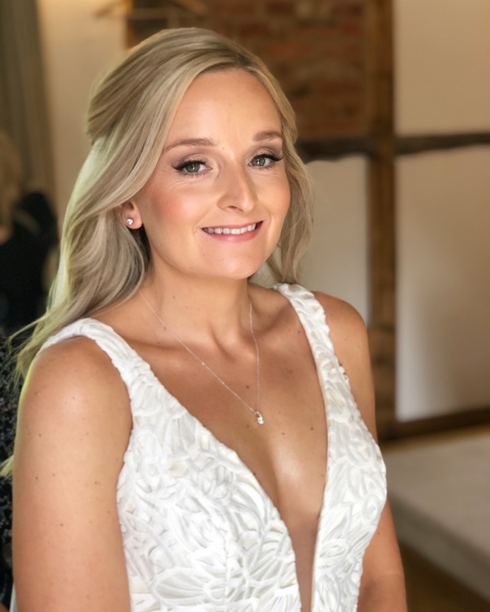 Glowing skin and soft waves. - Make Me Bridal Artist: The Boho Bride . #naturalmakeup #bridalmakeup #bridalhairandmakeup #weddinghairandmakeup #hairandmakeup #glowingmakeup