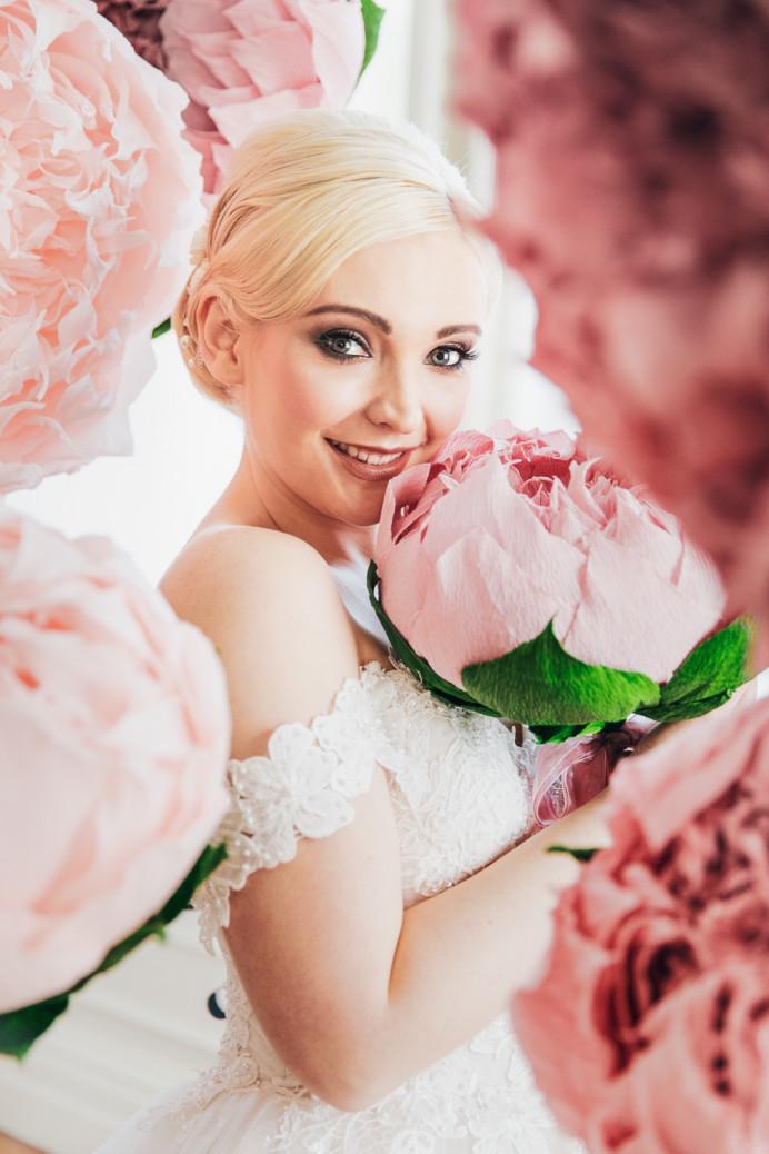 - Make Me Bridal Artist: Beautiful-You. Photography by: Lorna. #weddingmakupartist #bridalmakeupartistessex #essexmakeupartist #bridalphotoshoot