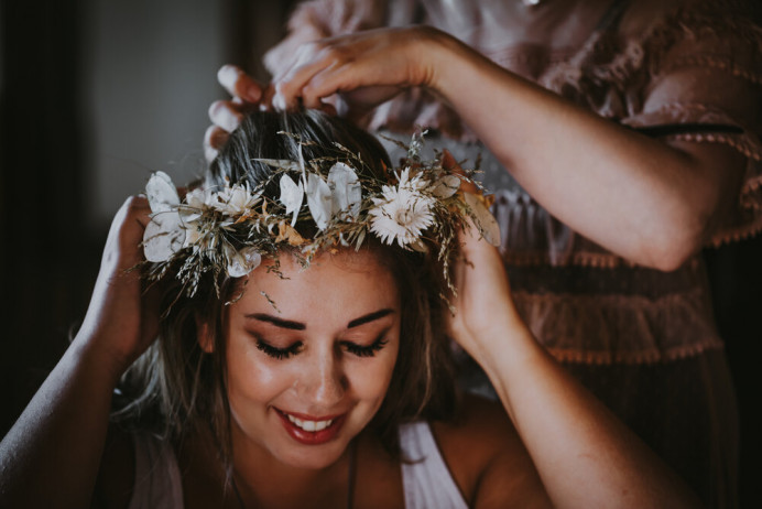- Make Me Bridal Artist: Toni Searle Beauty. Photography by: Gemma Hicks. #bohobride #bridalmakeup #bridalmakeup #bohowedding #bohomakeup #weddingmakeup #veganbride #boldeyes #festivalwedding #veganmakeup