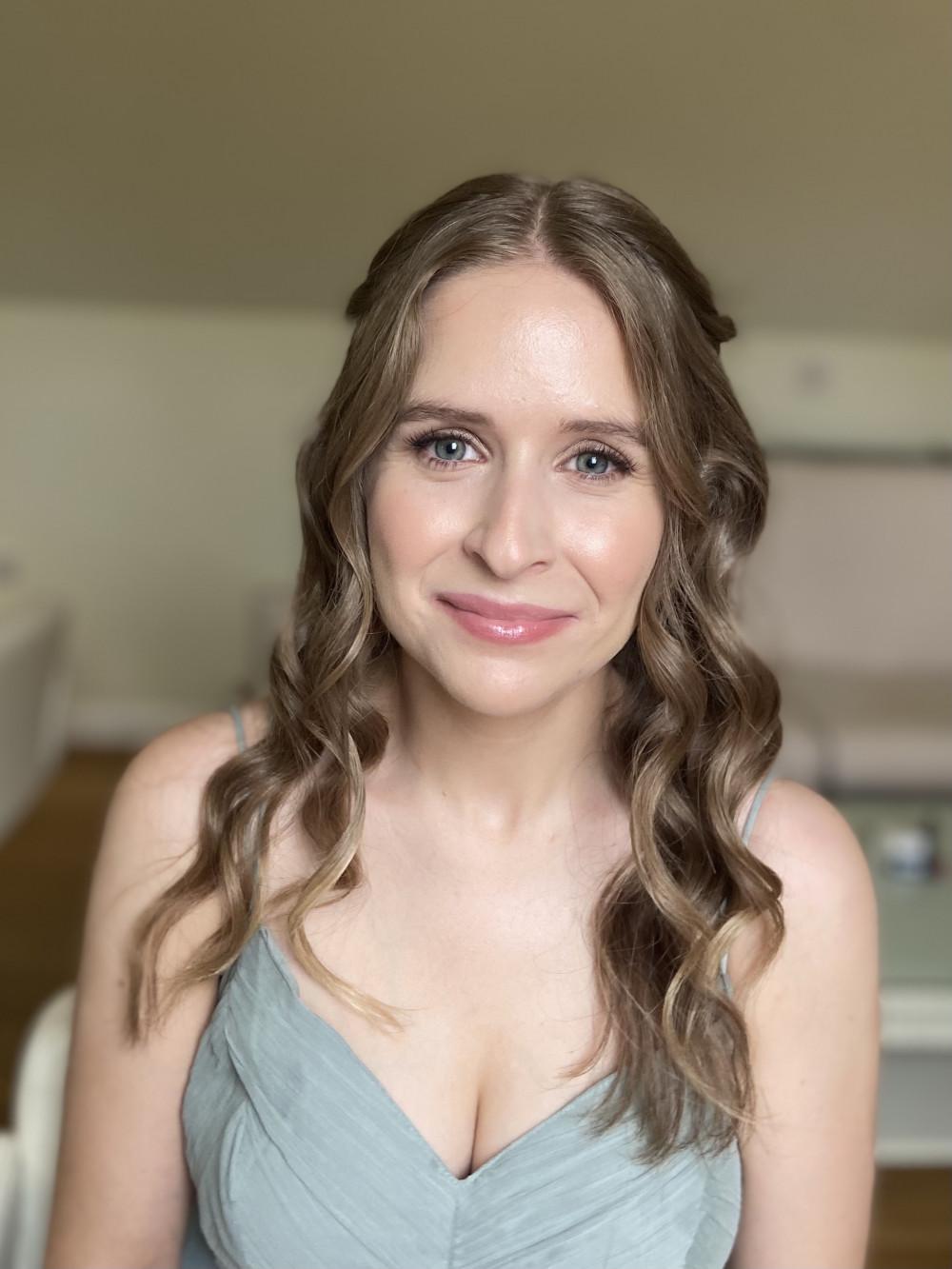 Fresh bridesmaids makeup look - Make Me Bridal Artist: Jessica Makeup and Hairstyling. #naturalmakeup #bridalmakeup #bridalhair #halfuphair #surreymakeupartist #glowingskin #hampshiremakeupartist #glowingmakup #weddingmakeup #hampshirehair
