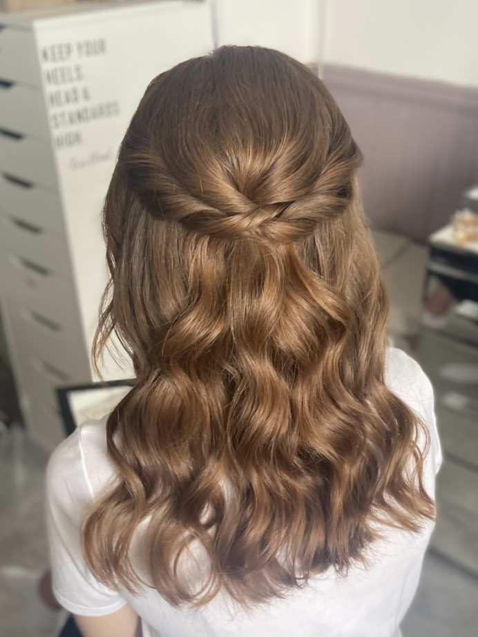 Half up half down with soft waves - Make Me Bridal Artist: Jessica Makeup and Hairstyling. #bridalhairup #weddinghairup #halfuphair #bridalhairstylist #romanticupdo
