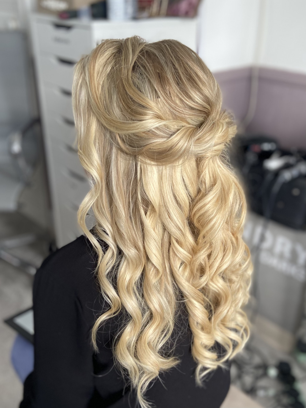 Half up with curls and curls - Make Me Bridal Artist: Jessica Makeup and Hairstyling. #halfuphair #curls #blonde #bridalhair #romantichairup #bridalhair #bridalhairstylist #softcurls #hampshirehair #surreyhair #twists