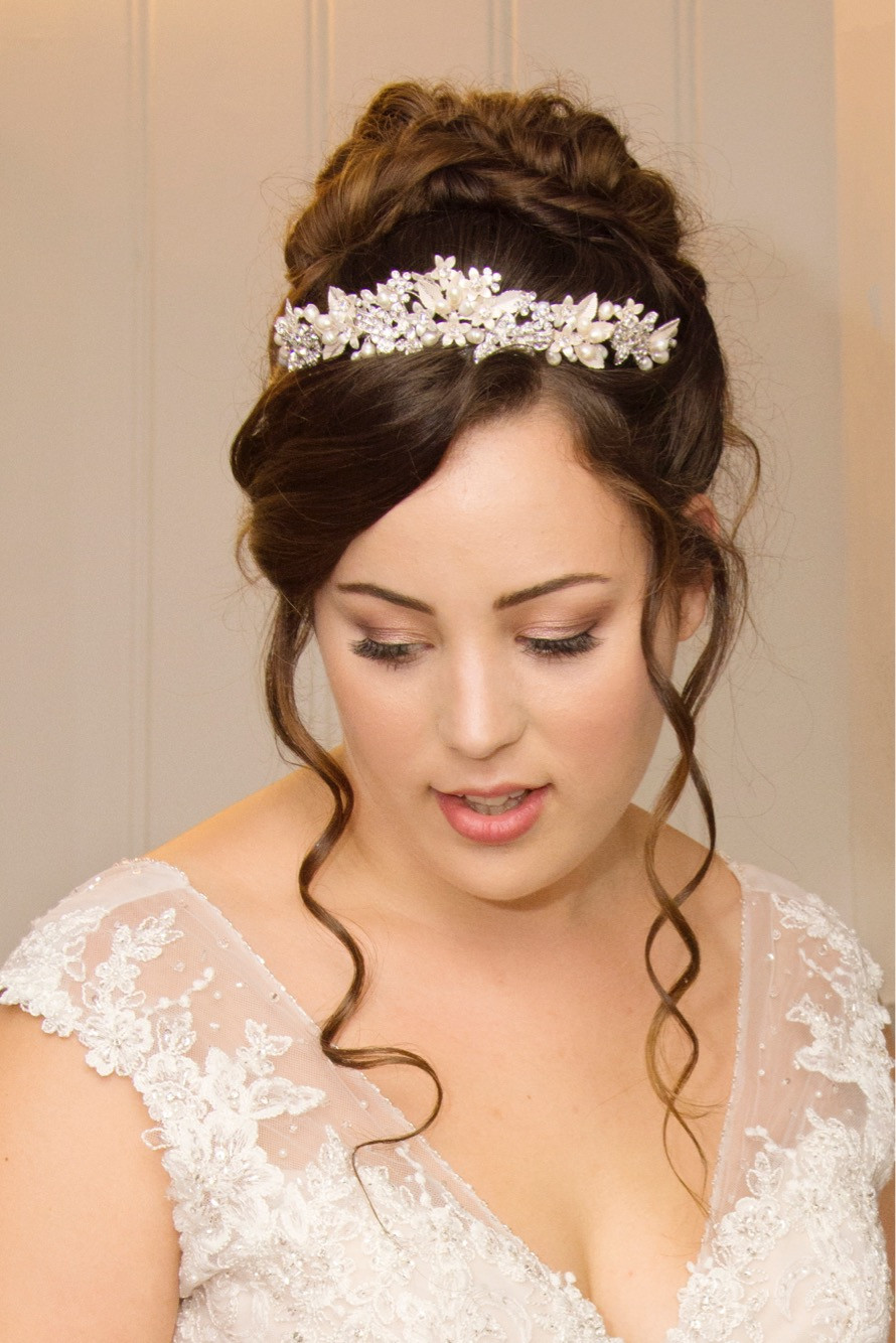 - Make Me Bridal Artist: Jessica Makeup and Hairstyling. #bohemian #classic #vintage #glamorous #naturalmakeup #curls #bridalmakeup #romantic #surreymakeupartist #hampshiremakeupartist #hampshirehair #royal