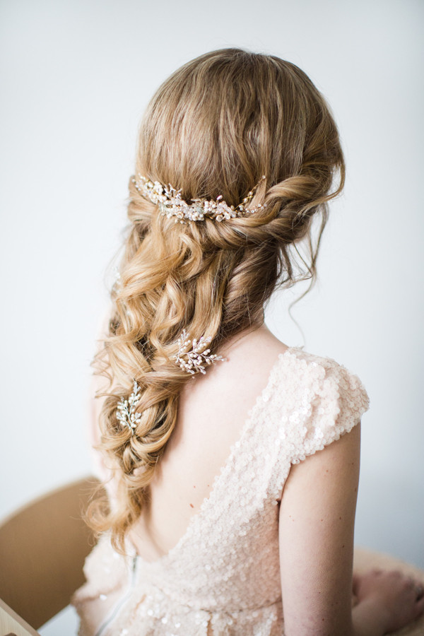 Loose boho wedding hair with Donna Crain accessories - Make Me Bridal Artist: Jessica Makeup and Hairstyling. Photography by: Cecelina Photography . #boho #halfuphair #curls #hairvine #bridalmakeup #bridalhair #relaxedupdo #braidedupdo #weddinghair #updo #hairstyling #glamourous #romantic #loosewaves