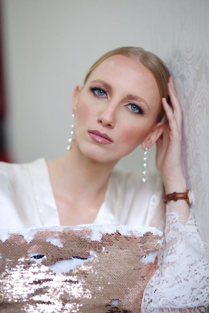 - Make Me Bridal Artist: Ieva Genovesi Hair and Make-up artist . Photography by: Ieva Genovesi.