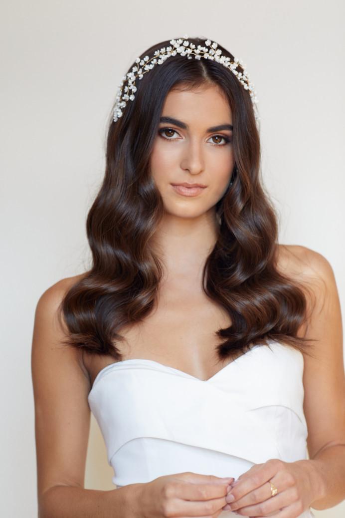Nadia Harper MUA - Make Me Bridal Artist: Gavin Harvie Hair. Photography by: Anna Felicia Photo. #classic #naturalmakeup #elegantmakeup #weddinghairdown #bridalhairdown #hollywoodwaves #loosewaves