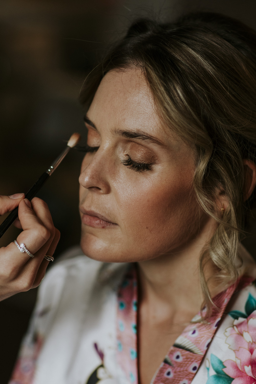- Make Me Bridal Artist: Alice Porter Make-up & Hair. Photography by: Benjamin Stuart. #glowingmakeup