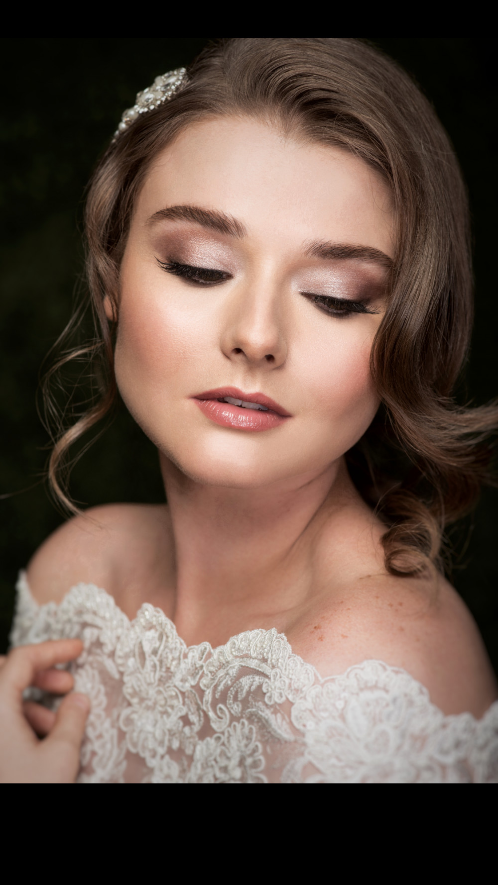 - Make Me Bridal Artist: Rachael Claire Bridal Makeup. Photography by: Garazi.