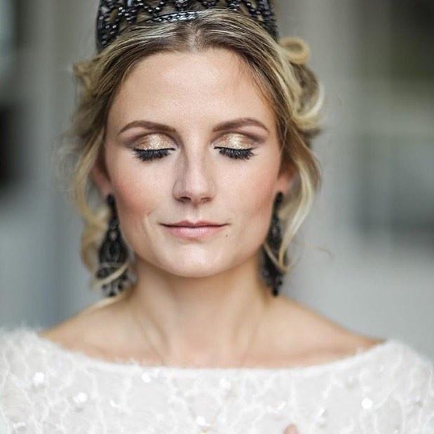 - Make Me Bridal Artist: Genevieve Satha Makeup.