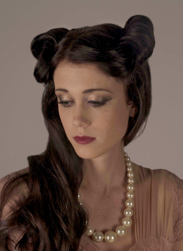 - Make Me Bridal Artist: Kat Sykes. #vintagemakeup #victoryroll #vintagehair #classicmakeup