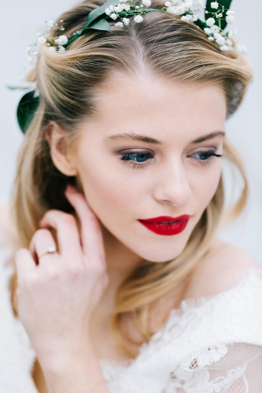 - Make Me Bridal Artist: Julia Jeckell Hair and Make-up Artist. Photography by: Aden Preist. #airbrushedmakeup #bridalmakeup #vintage #redlip