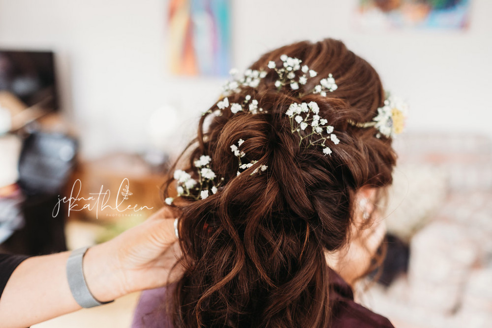 - Make Me Bridal Artist: Kelly Hanks Hair Design . Photography by: Jenna Kathleen . #boho #flowercrown #halfuphair #flowersinherhair #bohobride