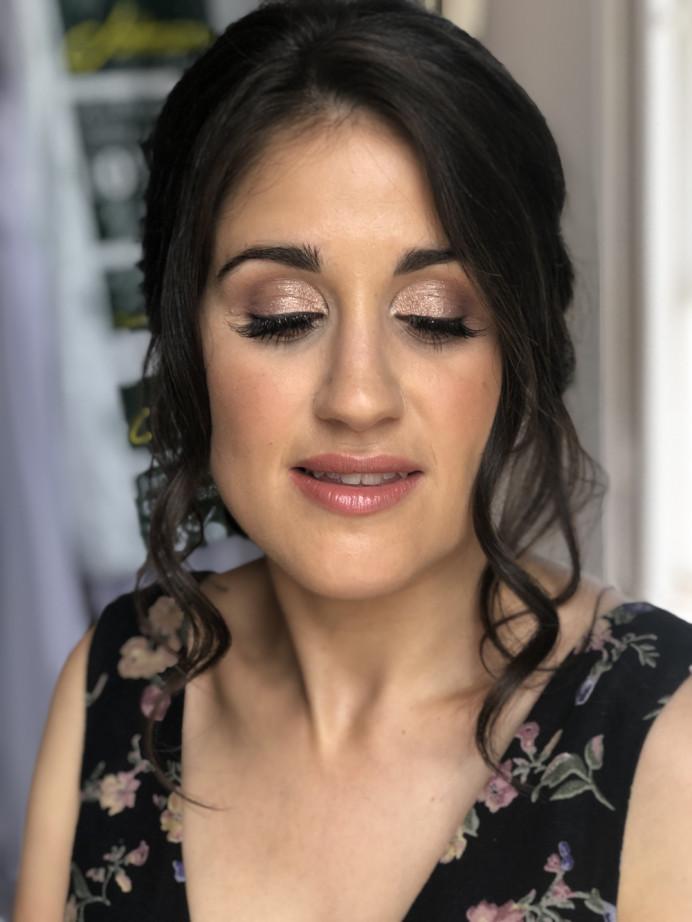 - Make Me Bridal Artist: The studio effect .