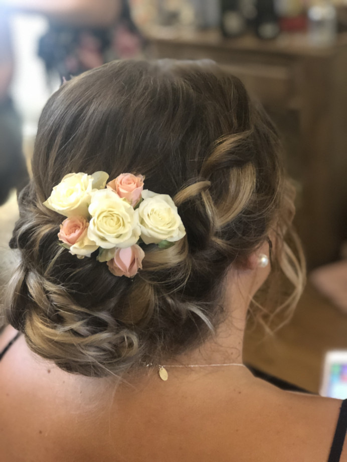 Bridal hair up with fresh flowers - Make Me Bridal Artist: The studio effect . #classic #vintage #flowersinherhair