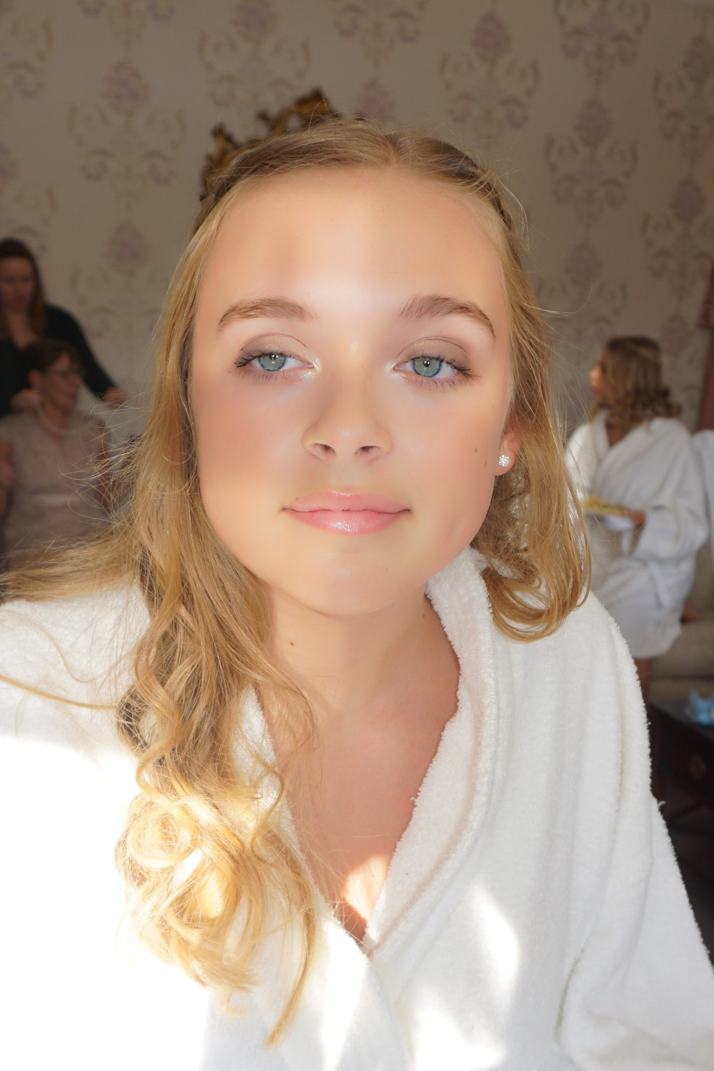 bridesmaids fresh faced and dewy - Make Me Bridal Artist: The studio effect . Photography by: abbie Wiggins. #glamorous #freshfaced #freshmakeup